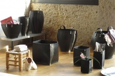 les objets en pneu recycl le blog de la maison de la d co et de l 39 immo. Black Bedroom Furniture Sets. Home Design Ideas