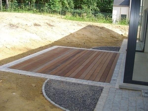 Focus sur la terrasse en pierre le blog de la maison de for Bois decoratif exterieur