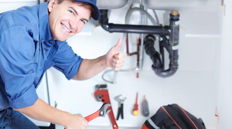 Le plombier : un artisan qui vient au secours des propriétaires