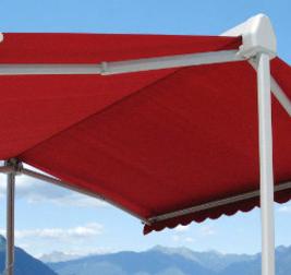 Installez un store double pente pour profiter pleinement de votre terrasse