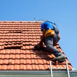 Comment remplacer un toit soi-même?