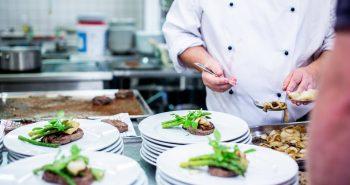 Comment bien préparer les repas dans une cuisine d'un restaurant?